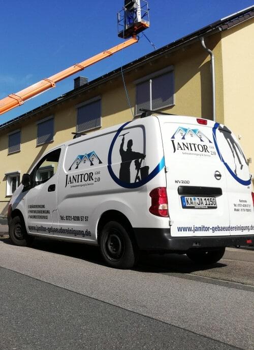 Janitor 2.0 - Fahrzeug und Hebebühne